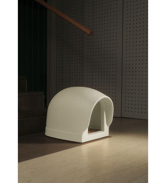 Europlast caseta gos design by denis santachiara amb for Caseta perro pvc